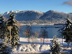 Another shot from this morning with all the snow.... ❄️ #vancouver #winterscene #thisview (HappyBarbers) Tags: vancouver winterscene thisview