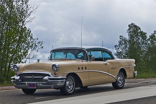 Buick Special 2-door Sedan 1955 (1456)