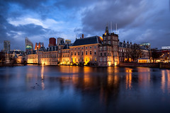 Hofvijver @ The Hague 2018 (zilverbat.) Tags: denhaag thenetherlands timelife longexposure bild longexposurenetherlands longexposurebynight clouds longexposurewater hofstad zilverbat hotspot binnenhof hofvijver architecture avond avondfotografie availablelight wallpaper world water winter waterfront wolken windows ngc culture buitenhof buildings nightshot nightphotography nightlights night canon centrum scenics scenery beeldbank history map route postcard skyline cold koud pond vijver