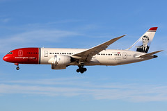 Norwegian | Boeing 787-8 | LN-LNG | Las Vegas McCarran (Dennis HKG) Tags: norwegian nax dy norwegianlonghaul nlh du boeing 787 7878 boeing787 boeing7878 dreamliner aircraft airplane airport plane planespotting lasvegas klas las lnlng canon 7d 100400