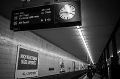 Abfahrt in 3 min. Berlin, U-Bahn (Lepidoptorologic beauty*) Tags: pentax kp pentaxkp pentaxk da21 da21ltd da21limited limited da 21mm 32 21 berlin ubahn metro blackwhite nb