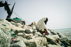 * (Sakulchai Sikitikul) Tags: street snap streetphotography songkhla sony a7s voigtlander 28mm thailand seascape sea