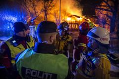 lmh-guldbergsvei014 (oslobrannogredning) Tags: bygningsbrann totalbrann flammer flammehav overtent brann slokkeinnsats brannslokking operativledelse innsatsledelse ilko kommandoplass innsatslederbrann