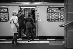 Daily - Berlin (Luiz Contreira) Tags: germany alemanha deutschland berlin berlim berlinstreet berlinstreets berlinsubway subway blackwhite bw brazilianphotographer europe europa people pretoebranco pb train metrô