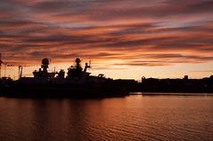 ISLANDIA (Luz D. Montero Espuela. 3.5 million visits. Thanks) Tags: islandia island luzdmonteroespuela sunset mar sea atlántico puerto harbor nubes clouds ship barco grúas sunshine pentax k7 reykjavik