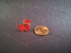 Puppy Dog (E. Corrie) (Helyades) Tags: origami pli pliage fold carré square puppy chiot dog chien animal paper papier corrie miniature soie tissue