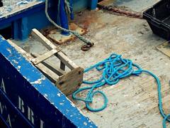 Par dessus bord (Noemie.C Photo) Tags: tabouret blue bleu corde bateau boat port puerta harbor bois wood azul colors couleurs colorful coloré crochet rouille rust rusty rouillé bretagne cost costa cote france morbihan