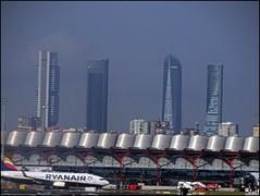 Madrid (Spain) (sky_hlv) Tags: madrid españa spain europe europa city ciudad town skyline aeropuerto airport ctba cuatrotorresbusinessarea cuatrotorres rascacielos skyscraper skyscrapers