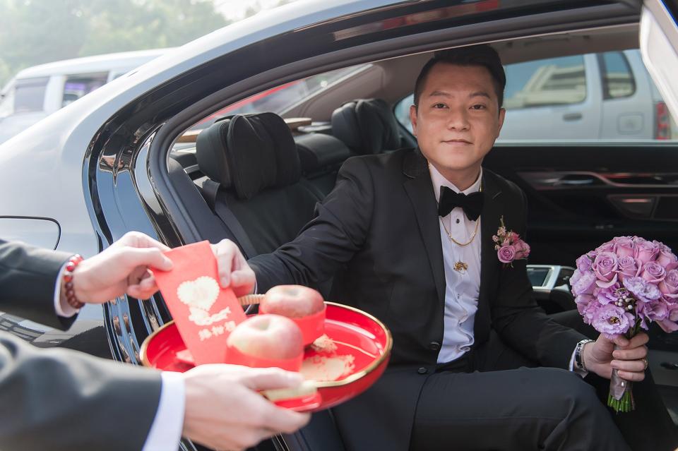 婚攝 高雄林皇宮 婚宴 時尚氣質新娘現身 S & R 040