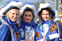Eschweiler, Carnival 2018, 039 (Andy von der Wurm) Tags: karneval kostüm costume carnival mardigrass eschweiler 2018 kostüme kostueme nrw nordrheinwestfalen northrhinewestfalia germany deutschland allemagne alemania europa europe female male girl teenager smiling smile lachen lächeln lustforlife groove portrait lebensfreude verkleidung verkleidet dressed bunt colorful colourful karnevalsumzug karnevalszug carnivalparade andyvonderwurm andreasfucke hobbyphotograph funkenmarie funkenmariechen