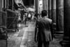 Barcelone sous la pluie 6, après la pluie. (Olivier DESMET) Tags: barcelone espagne noirblanc catalogne street streetphoto streetphotography scenederue photosderue olivierdesmet people candid lesgens urbain urban blackandwhite bw monochrome canon 6d 40mmstm marché mercat barcelona laboqueria