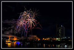 Fireworks_7707 (bjarne.winkler) Tags: 2017 new year firework over sacramento river with tower bridge ziggurat building background