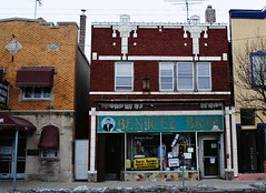 Benitez Brothers Tailors - Chicago (Cragin Spring) Tags: city chicago chicagoillinois chicagoil illinois il midwest unitedstates usa urban unitedstatesofamerica southside backoftheyards benitezbrothers tailors cleaners