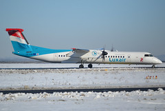 LX-LGN, De Havilland Canada DHC-8-402Q, c/n 4426, Luxair, CDG/LFPG, 2018-01-10, taxiway Delta (alaindurandpatrick) Tags: lxlgn cn4426 dhc8 dash8 dhc8400 dehavillandcanada dehavillandcanadadash8 dehavillandcanadadhc8 dehavillandcanadadhc8400q airliners propeliners lg lgl luxair airlines cdg lfpg parisroissycdg airports aviationphotography