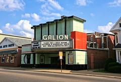 Galion Theatre, Ohio (~ Liberty Images) Tags: 1949 galiontheatre ohio galionoh deco us30 lincolnhighway mintgreen vitrolite marquee america mainstreetusa americana history highwaybuyway