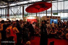 Japan Expo 2017 4e jrs-186 (Flashouilleur Fou) Tags: japan expo 2017 parc des expositions de parisnord villepinte cosplay cospleurs cosplayeuses cosplayers française français européen européenne deguisement costumes montage effet speciaux fx flashouilleurfou flashouilleur fou manga manhwa animes animations oav ova bd comics marvel dc image valiant disney warner bros 20th century fox star wars trek jedi sith empire premiere ordre overwath league legend moba princesse lord ring seigneurs anneaux saint seiya chevalier du zodiaque