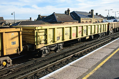 503068 Faversham 170218 (Dan86401) Tags: faversham 6y80 503068 mla bogie open ballastbox wagon freight greenbrier gbrf gbrailfreight eqtinfrastructure yellowtailsnapper fishkind engineers departmental infrastructure