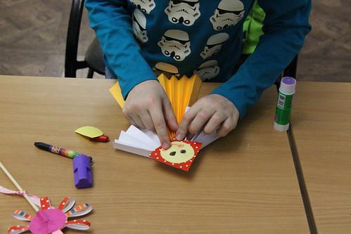 Мастер-класс по изготовлению масленичной куклы (7)