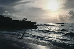 Hawaii Sunset - Waimea Beach Runner (Modkuse) Tags: nikonf2photomic waimea bay oahu waimeabay northshore hawaii nikon kodachrome sunset waves ocean pacific pacificocean