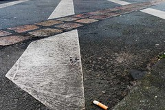 Markierung des Mauerstreifens (LilliPics) Tags: abstract markierung mauerweg 365the2018edition 3652018 day23365 23jan18