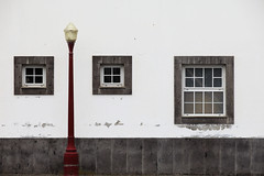 OCD test (Elios.k) Tags: horizontal outdoors nopeople urban house wall whitewashed chipping windows frame symmetry streetlamp lamp red colour color travel travelling june2017 summer vacation canon 5dmkii photography island povoação povoacao saomiguel acores azores portugal europe