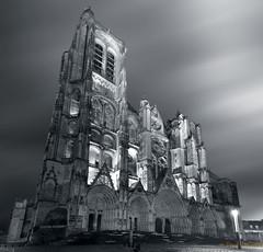 cathédrale NB (fredpellerin18) Tags: bourges nb cathédrale nuitbleu unesco berry france cathedral architecture gothique ciel