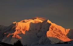 Combloux (74 Haute-Savoie) Vue sur le Mont Blanc 24-01-18c (mugicalin) Tags: fujifilm fujifilmfinepix fujifilmfinepixs1 s1 finepixs1 paysage landscape landschaft pejzaž paesaggio paisaje landschap coucherdesoleil soleil couleurs colour orange rouge red sunset sonnenuntergang zonsondergang montblanc lemontblanc chamonix hautesavoie 74 montagne mountain berg planina 2018 neige snow snijeg schnee sneeuw