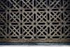 Detalle Celosía Mezquita (Juan Pedro Gómez-51) Tags: reja rejas enrejado enrejados celosía grid grating bars ironbars lattice trellis trelliswork córdoba andalucía españa spain mezquita mosque geometry geometric