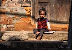 Bhaktapur girl (rfabregat) Tags: girl kid baby durbar durbarsquare bhaktapur kathmandu nepal nepalese travel travelphotography nikon nikond750 d750 nikkor nikkorlenses nikkor24120mm