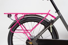 WorkCycles Fr8 Telemagenta carrier (@WorkCycles) Tags: achterdrager carrier dutch fiets fr8 lange long transportfiets workcycles
