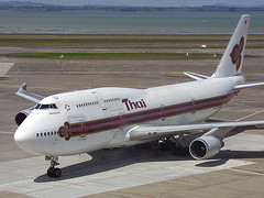 HS-TGN, Auckland, March 14th 2003 (Southsea_Matt) Tags: passengertravel publictransport vehicle airlines aeroplane airplane jetplane jet plane aviation 2003 march autumn canon d30 sigma 170500mm auckland newzealand nzaa akl thaiairways boeing 7474d7 quad widebody staralliance hstgn taxi ramp apron