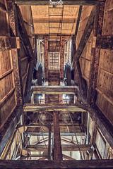 Interior del Castillete de la Mina de Arnao - Inside the Arnao headframe mine (danielfi) Tags: castillete mina arnao headframe mine asturias asturies arqueología industrial archeology madera wood