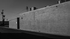 mesa 00869 (m.r. nelson) Tags: mesa arizona america southwest usa mrnelson marknelson markinazstreetphotography urbanmarkinaz blackwhite bw monochrome blackandwhite newtopographic urbanlandscape artphotography