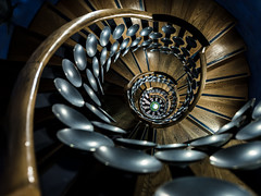 Magic Circle (Sean Batten) Tags: themagiccircle london england unitedkingdom gb magic magiccicrle euston nikon d800 1424 spiral staircase city urban