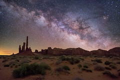The Totem Pole, Monument Valley (Wayne Pinkston) Tags: monumentvalley totempole butte hoodoo navajo desert wilderness night sky nightsky nightphotography nightlandscape waynepinkston waynepinkstoncom lightcrafter lightcraftercom stars starrynight milkyway mulkyway galaxy cosmos theheavens dramaticsky astrophotography landscapeastrophotography widefieldastrophotography nikon wideangle