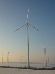 Windkraftwerk (Jörg Paul Kaspari) Tags: eifel südeifel helenenberg windpark windkraft winter energielandschaft windkraftanlage windenergie windenergieanlage erneuerbareenergien stromproduzent windkraftwerk energiewende landschaft landscape