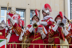 Kölner Ratsbläser - Kölner Karneval 2018 (marcoverch) Tags: köln verkleidung cologne rosenmontagszug carneval 2018 neumarkt karneval nordrheinwestfalen deutschland de celebration feier festival parade people menschen costume kostüm traditional traditionell flag flagge military militär national ceremony zeremonie army armee man mann street strase music musik war krieg culture kultur soldier soldat party wear tragen uniform fire heart maitreya landschaft macromondays waves second flickr market boeing kölnerratsbläser kölnerkarneval2018