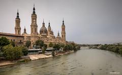 Basilica de Nuestra Senora del Pilar (Anne.Berger) Tags: spanien spain zaragoza basilicadenuestrasenoradelpilar fluss river cathedral kathedrale basilika