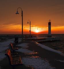 Sunrise (Gavin Edmondstone) Tags: bronteharbour oakville ontario sunrise lakeontario