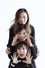 Hello! (redshoes99) Tags: tokyo group canon 5dmarkiii 50mm portrait girls japan japanese studio lighting strobe white women black smile hello