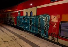 dvsfdfsa (2 von 5) (Under Color) Tags: hamburg hbf hauptbahnhof db bahn zug train regio doppler doppelstocker bahnsteig graffiti vandal art kunst graff