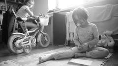 DSC07799 (Oleg Green (lost)) Tags: weekend morning kids home family fullframe unedited raw bw blackandwhite voigtlander sskopar 4025