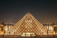 Louvre (lyrks63) Tags: louvre museedulouvre musuem musée bynight night nightscape pyramides pyramids buildings building architecture paris france eos700d e eos eos700 canon canoneos canon700d canon700 photography