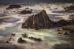 Ensoñacion-Daydream (Joseba Grajales) Tags: alentejo portugal mar paisaje landscape longexposure largaexposición rocas rocks agua water nikond750