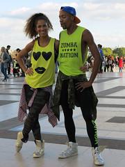 Pair of dancers (pivapao's citylife flavors) Tags: paris france trocadero girl streetartist