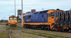8146 gets a crew change while 8112 sits on the steel shunt in Morandoo yard (bukk05) Tags: railpage:class=47 railpage:loco=8146 rpaunsw81class rpaunsw81class8146 8146 81class world wagons explore export engine emd electromotivediesel emd16645e3b railway railroad railpage rp3 rail railwaystation railwaystations train tracks tamron tamron16300 trains yard photograph photo pn pacificnational loco locomotive light jt26c2ss horsepower hp flickr freight diesel dieselelectriclocomotive station standardgauge sg spring australia artc zoom canon60d canon clyde clydeengineering nsw newsouthwales newcastle cityofnewcastle huntervalley hunter 2017 morandoo crew 8112