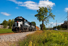 FGLK 2001, Fairmount, NY (Wheelnrail) Tags: fglk finger lakes railway new york train trains emd gp382 locomotive nyc rail road rails sunny clear fall autumn color syracuse ny gs2 turn local
