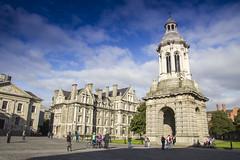 Dublin, Ireland (PeterWdeK) Tags: dublin ireland blue bluesky canon europa europe ierland spherewithinsphere trinitycollege universityofdublin coláistenatríonóide