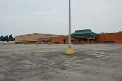 Lexington Mall -- Lexington, Kentucky (xandai) Tags: lexingtonmall lexington kentucky retail mcaplins dillards