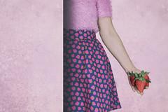 (Rafi Moreno) Tags: rafi retro retrato portrait autorretrato selfportrait vintage hipster soft pink fresa strawberry canon pale